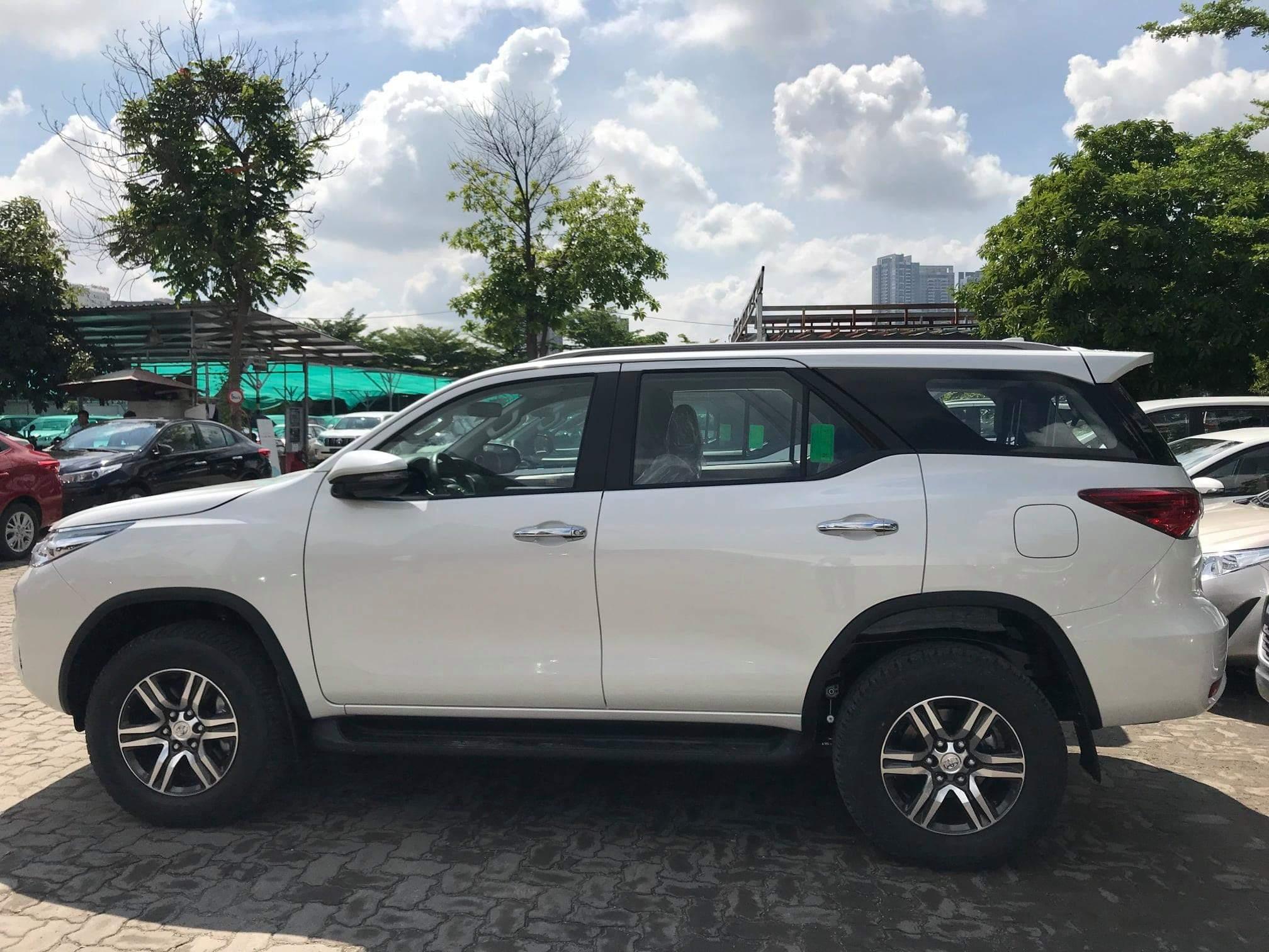 Cận cảnh 4 bộ Body Kit lung linh cho Toyota Fortuner 2017